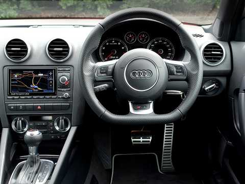 Interiör av Audi RS 3 Sportback 2.5 TFSI quattro S Tronic, 340hk, 2011