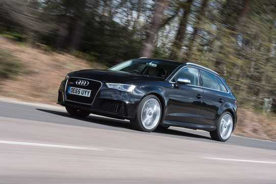 Front/Side  of Audi RS 3 Sportback 2.5 TFSI quattro S Tronic, 367hp, 2015