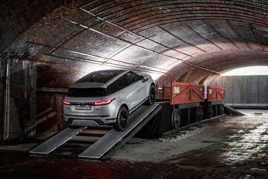Back/Side of Land Rover Range Rover Evoque 5-door 2019