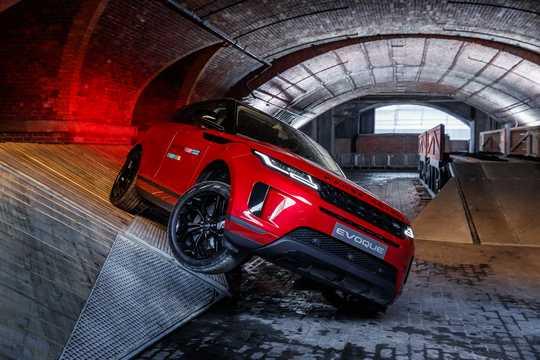 Front/Side  of Land Rover Range Rover Evoque 5-door 2019