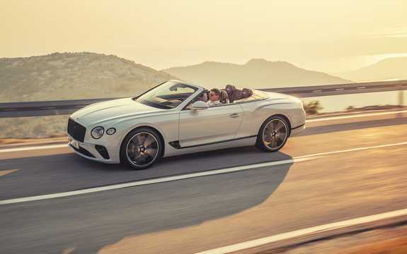 Front/Side  of Bentley Continental GTC 6.0 W12 TSI DCT, 635hp, 2019