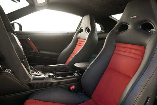 Interior of Nissan GT-R Nismo 3.8 V6 4x4 DCT, 608hp, 2018