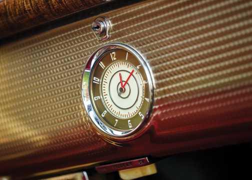 Close-up of Buick Super Estate Wagon 4.1 Manual, 109hp, 1940
