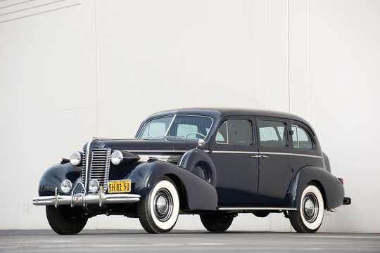 Front/Side  of Buick Limited Limousine 5.2 Manual, 143hp, 1938