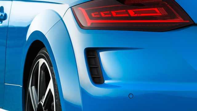 Närbild av Audi TT RS Coupé TFSI  S Tronic, 400hk, 2019