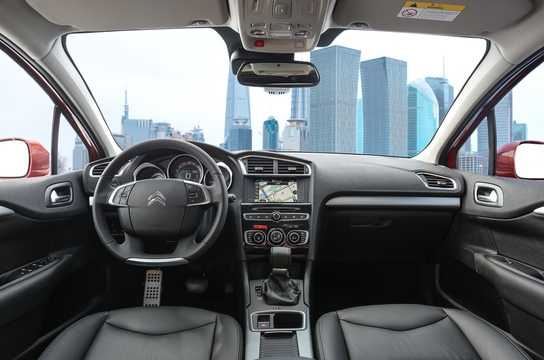 Interior of Citroën C4 L 2016