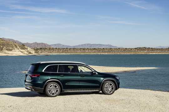 Back/Side of Mercedes-Benz GLS-Class 2020
