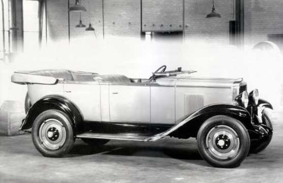 Front/Side  of Chevrolet Universal Phaeton 3.2 Manual, 51hp, 1930