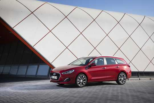 Fram/Sida av Hyundai i30cw 2019