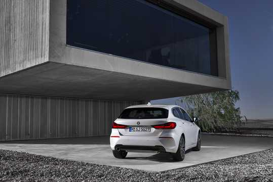 Back/Side of BMW 1 Series 5-door 2020