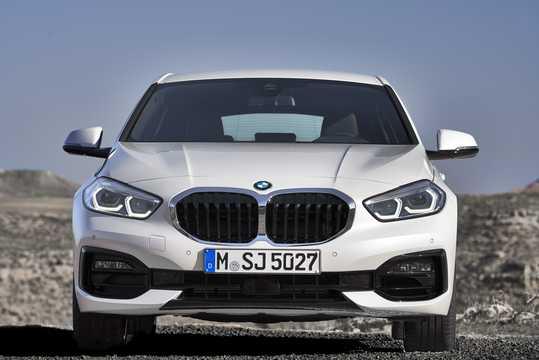 Front  of BMW 1 Series 5-door 2020