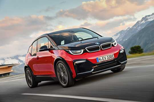 Front/Side  of BMW i3s 94 Ah  Single Speed, 183hp, 2018