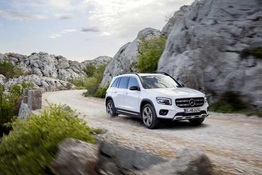 Front/Side  of Mercedes-Benz GLB-Class 2020
