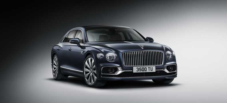Front/Side  of Bentley Flying Spur W12 6.0 W12 Automatic, 635hp, 2020