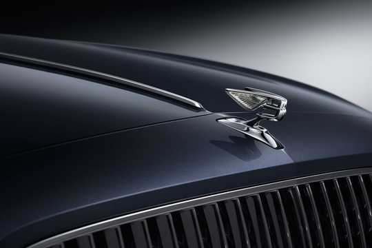 Close-up of Bentley Flying Spur W12 6.0 W12 Automatic, 635hp, 2020