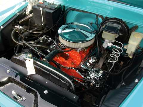 Engine compartment  of Chevrolet Apache 31/32 3.9 Hydra-Matic, 137hp, 1959