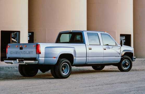 Back/Side of Chevrolet C/K 3500 Crew Cab 1993
