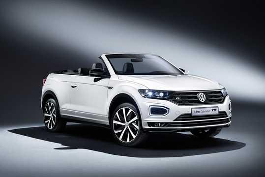 Fram/Sida av Volkswagen T-Roc Cabriolet 2020