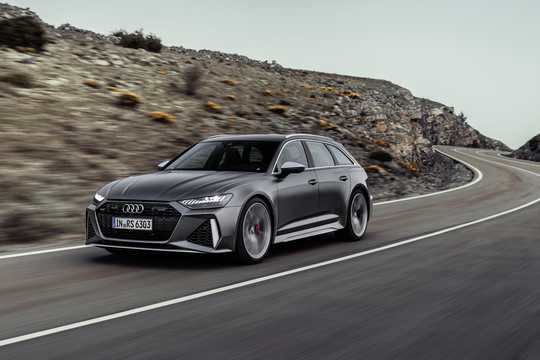 Front/Side  of Audi RS 6 Avant  TipTronic, 600hp, 2020