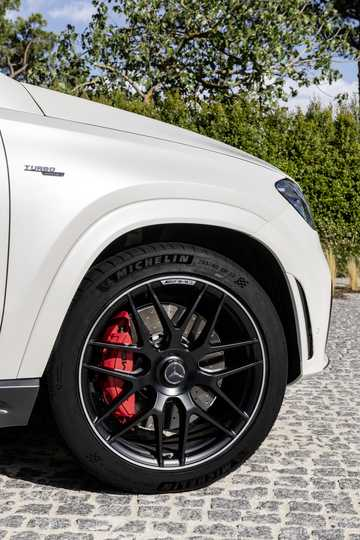 Close-up of Mercedes-Benz AMG GLE 53 4MATIC+ Coupé  9G-Tronic, 435hp, 2020
