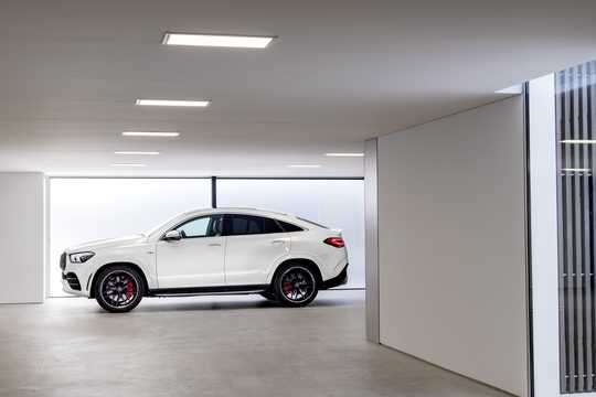 Side  of Mercedes-Benz AMG GLE 53 4MATIC+ Coupé  9G-Tronic, 435hp, 2020