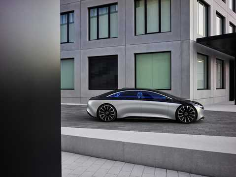 Side  of Mercedes-Benz Vision EQS 100 kWh Single Speed, 476hp, 2020