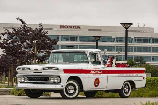 Front/Side  of Chevrolet Apache C10 4.6 V8 162hp, 1961