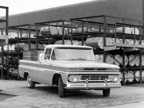 Fram/Sida av Chevrolet C10 3.9 137hk, 1962