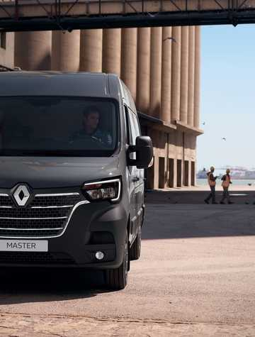 Front  of Renault Master III 2nd Facelift