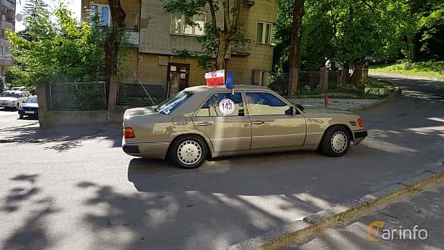 Mercedes-Benz 300 D Turbo W124