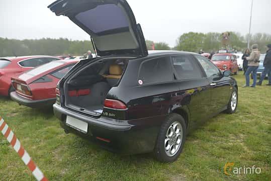 Bak/Sida av Alfa Romeo 156 Sportwagon 2.5 V6 Q-System, 190ps, 2002 på Italienska Fordonsträffen - Krapperup 2019