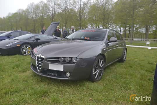 Fram/Sida av Alfa Romeo 159 1.9 JTDM 16V Manual, 150ps, 2007 på Italienska Fordonsträffen - Krapperup 2019