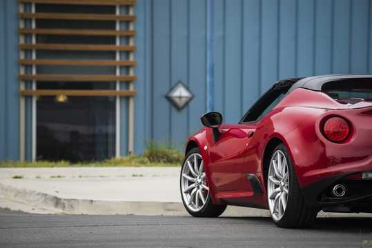 Close-up of Alfa Romeo 4C Spider 1.75 TBi DCT, 240hp, 2015