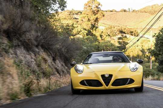 Front  of Alfa Romeo 4C Spider 1.75 TBi DCT, 240hp, 2015