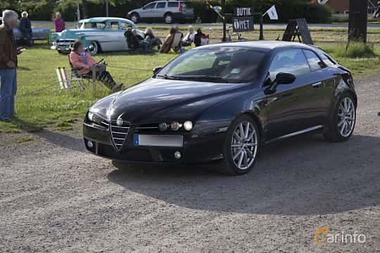 Front/Side  of Alfa Romeo Brera 2.4 JTDM 20V Manual, 210ps, 2008 at Tisdagsträffarna Vikingatider v.25 / 2017
