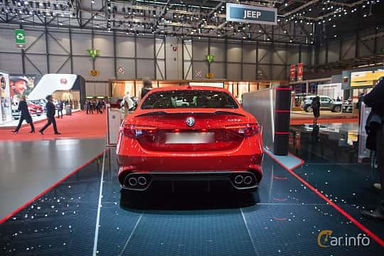 Bak av Alfa Romeo Giulia Quadrifoglio 2.9 V6 QV Automatic, 510ps, 2017 på Geneva Motor Show 2017