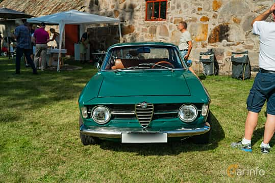 Front  of Alfa Romeo Giulia 1300 Super 1.3 Manual, 87ps, 1970 at Sportbilsklassiker Stockamöllan 2019