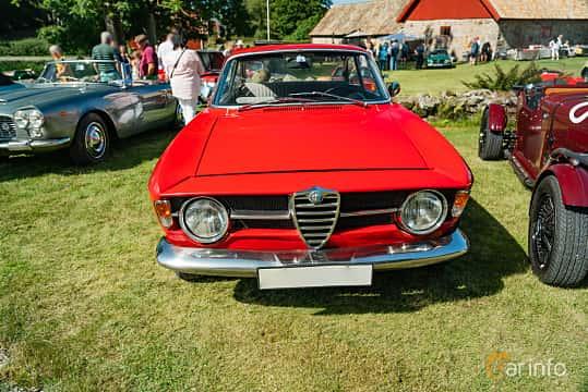 Front  of Alfa Romeo Giulia GT 1300 Junior 1.3 Manual, 87ps, 1970 at Sportbilsklassiker Stockamöllan 2019