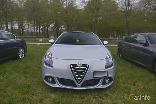 Fram av Alfa Romeo Giulietta 1.4 TB 16V MultiAir TCT, 170ps, 2014 på Italienska Fordonsträffen - Krapperup 2019