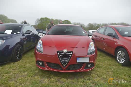 Fram av Alfa Romeo Giulietta 1.75 TBi TCT, 240ps, 2016 på Italienska Fordonsträffen - Krapperup 2019