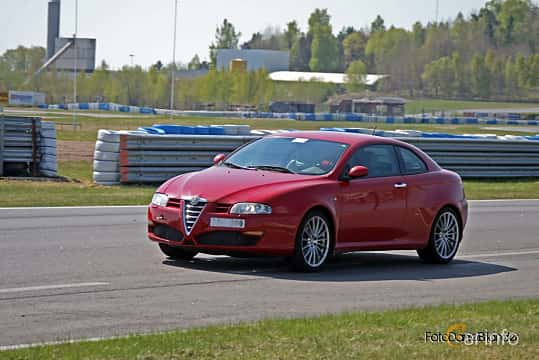 Front/Side  of Alfa Romeo GT 2.0 JTS Manual, 165ps, 2004