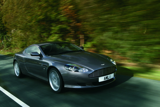 Front/Side  of Aston Martin DB9 5.9 V12  Manual, 456hp, 2008