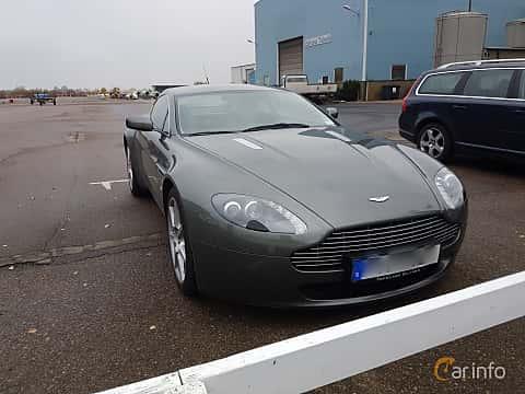 Front/Side of Aston Martin V8 Vantage 4.3 V8 Manual, 385ps, 2006