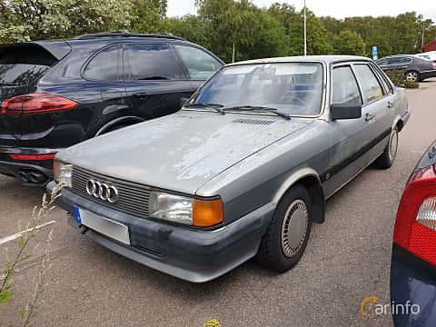 Front/Side  of Audi 80 4-door 1.8  Manual, 90ps, 1985