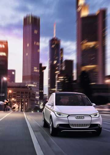 Front/Side  of Audi A2 31 kWh Single Speed, 116hp, 2011