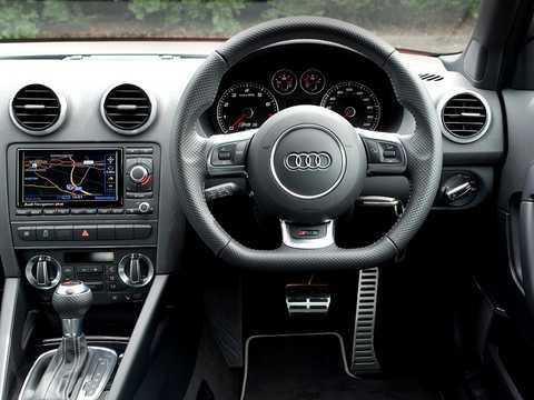 Interior of Audi RS 3 Sportback 2.5 TFSI quattro S Tronic, 340hp, 2011