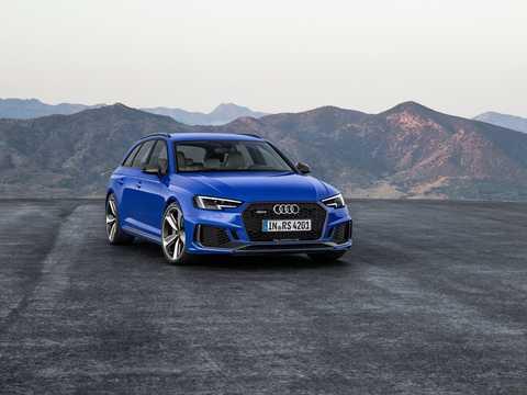 Front/Side  of Audi RS 4 Avant 2.9 V6 TFSI quattro TipTronic, 450hp, 2018