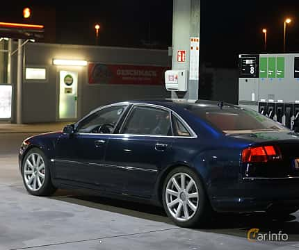 Back/Side of Audi A8 L 6.0 W12 quattro TipTronic, 450ps, 2007