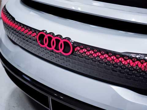 Close-up of Audi Aicon Electric quattro Single Speed, 353hp, 2017