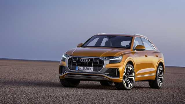 Front/Side  of Audi Q8 2019
